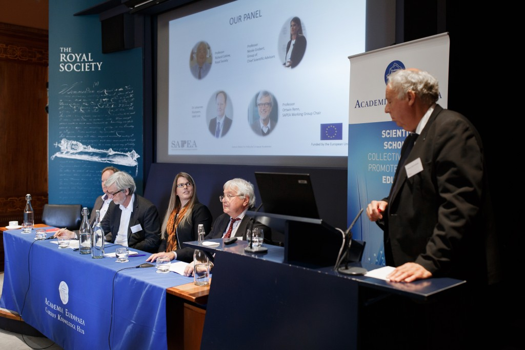 Making Sense of Science expert panel: Dr Johannes Klumpers, Professor Ortwin Renn, Professor Nicole Grobert, Professor Richard Catlow and Professor Sierd Cloetingh.