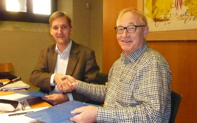 YAE and AE sign agreement